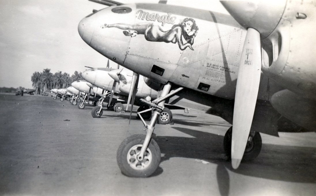 """Margie"" (44-25468). The bird behind is named ""Porky""."