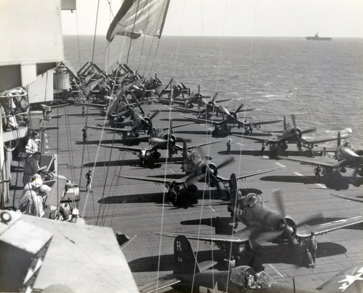 Full deck as the Randolph prepares to launch