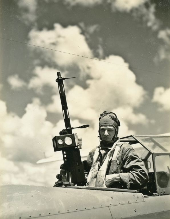 Your well-dressed aerial gunner of the 1930s.